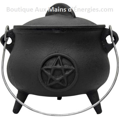 "BLACK CAST IRON CHALDRON - PENTACLE (MEDIUM) 5.5X5.5 ""DI."